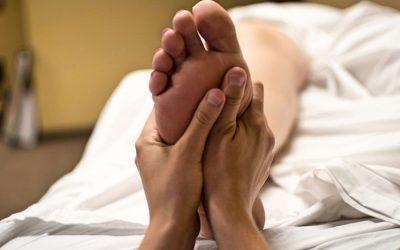 Come dare sollievo a piedi stanchi e doloranti